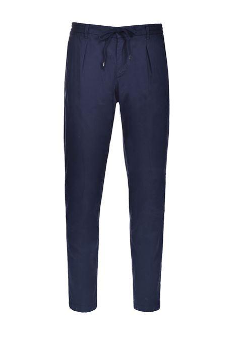 Pantalaccio in cotone e lyocell con pinces BRIGLIA | Pantaloni | BG56 32105111