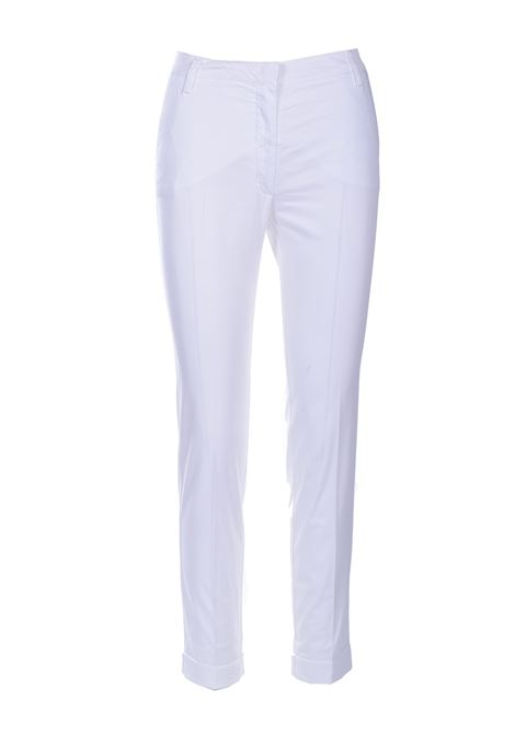 Chino trousers in white gabardine MANILA GRACE | Pants | P437CUMA009