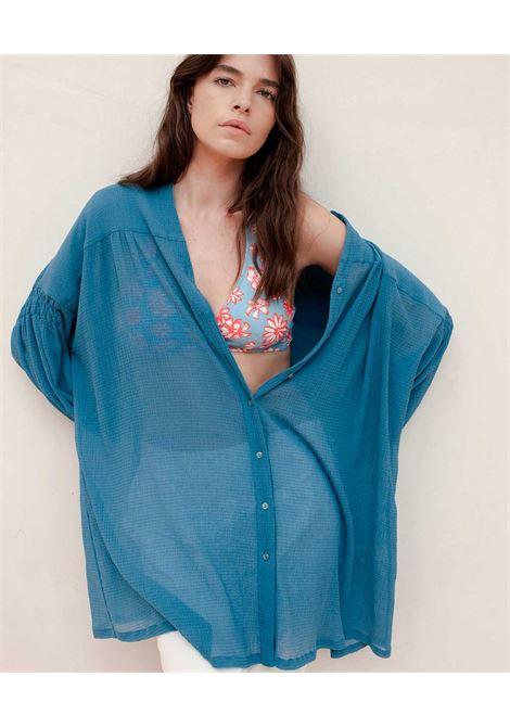 Camicia oversize in voile seersucker azzurro MOMONI | Vestiti | MODR0180834