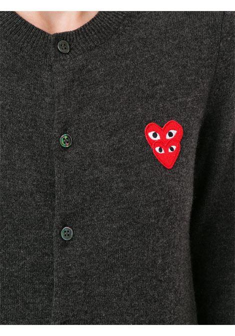 Cardigan con applicazione logo ricamato PLAY COMME DES GARCONS | Cardigan | P1N0752