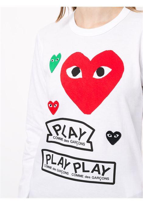T-shirt con stampa e applicazioni loghi ricamati PLAY COMME DES GARCONS | T-shirt | P1T2831