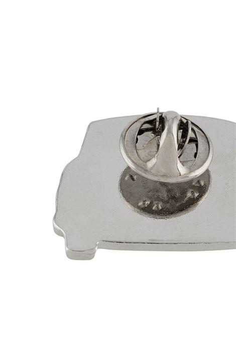 Spilla a forma di macchina YOHJI YAMAMOTO + NOIR | Spilla | NR-A53-9762