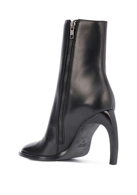 Stivali con punta aperta su un lato e tacco curvo. ANN DEMEULEMEESTER | Scarpe | 2001-2860-363099