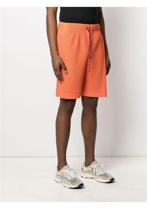 Shorts plissettati, traforati e foderati HOMME PLISSE | Shorts | HP16JF14232