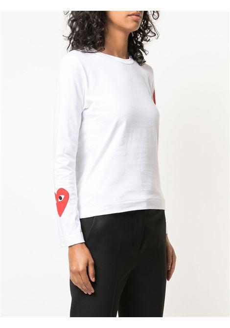 T-shirt con stampa logo con cuore rosso sulle maniche PLAY COMME DES GARCONS | T-shirt | P1T2591