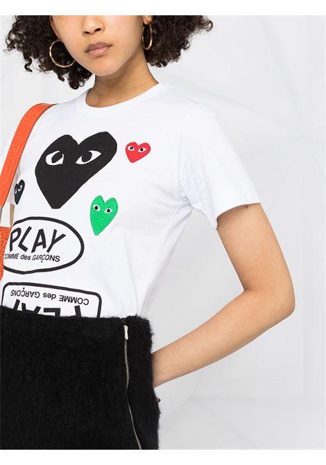 T-shirt con stampa e applicazioni logo cuore ricamato PLAY COMME DES GARCONS | T-shirt | P1T2811