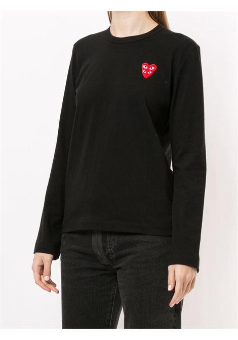 T-shirt con applicazione logo doppio cuore rosso ricamato PLAY COMME DES GARCONS | T-shirt | P1T2911