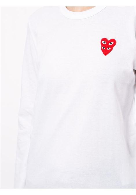 T-shirt con applicazione logo doppio cuore rosso ricamato PLAY COMME DES GARCONS | T-shirt | P1T2912