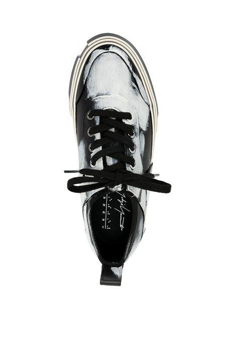 Sneakers in pelle con stampa YOHJI YAMAMOTO | Scarpe | FD-E10-8621