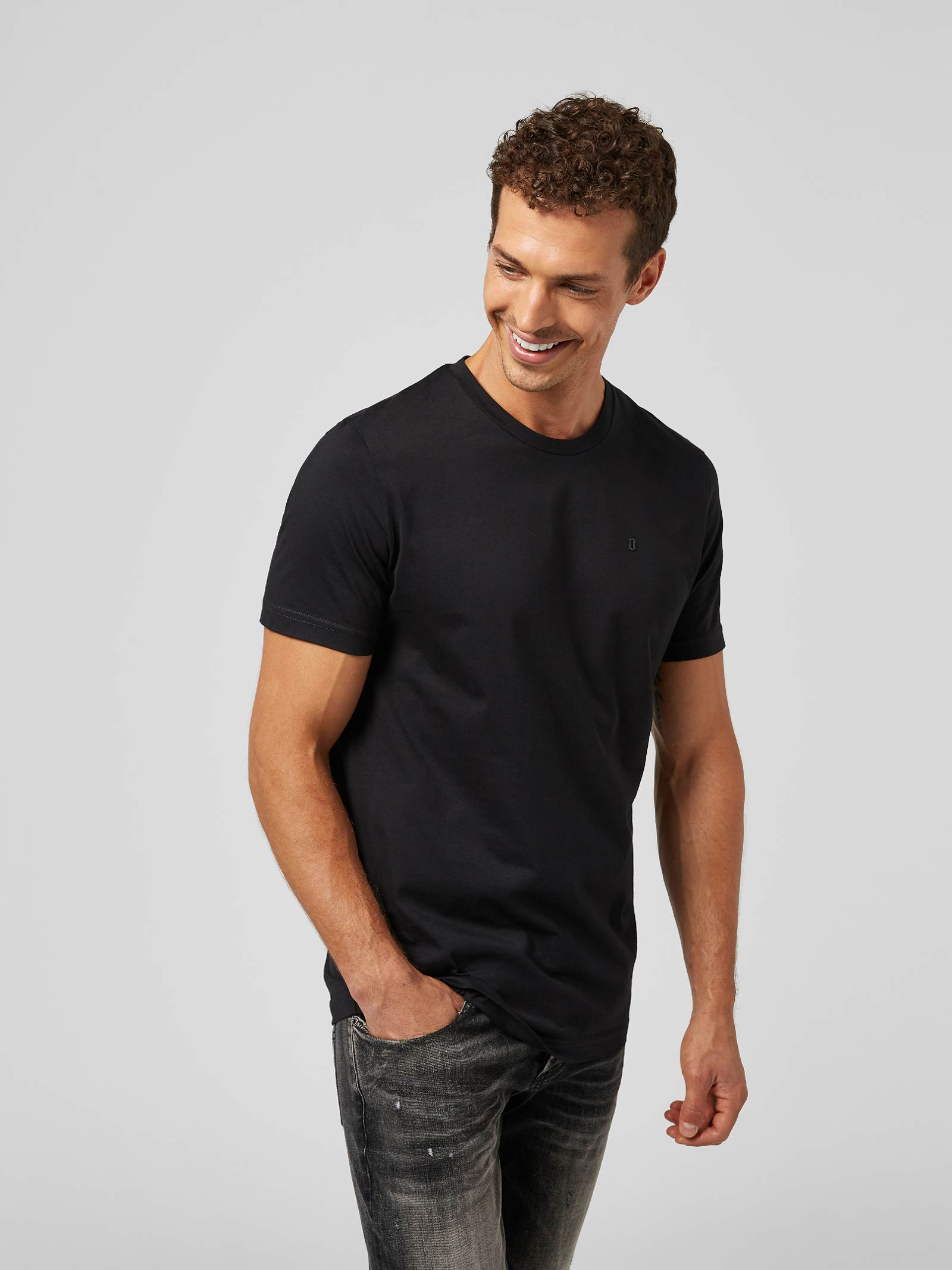 Dondup T-shirt  regular in jersey di cotone con logo metallo DONDUP | 8 | US198JF0283UZL4999