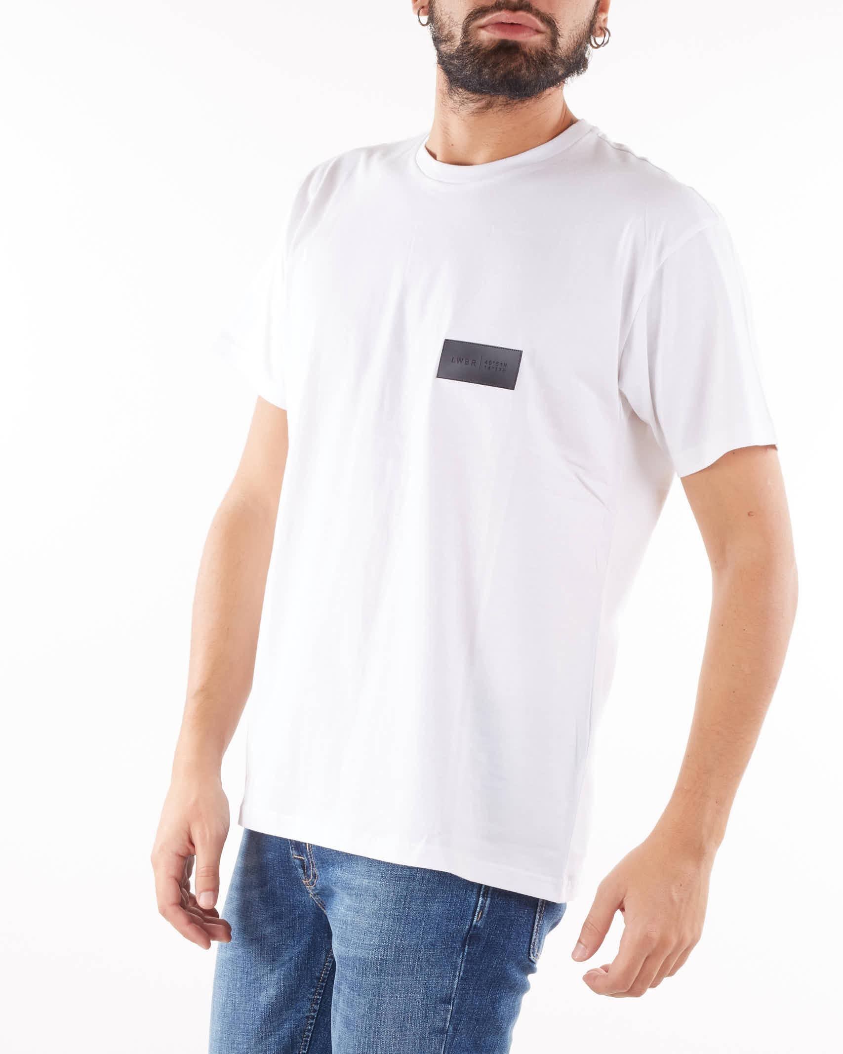 T-shirt con logo e stampa sul retro Low Brand LOW BRAND   T-shirt   L1TFW21225974A001