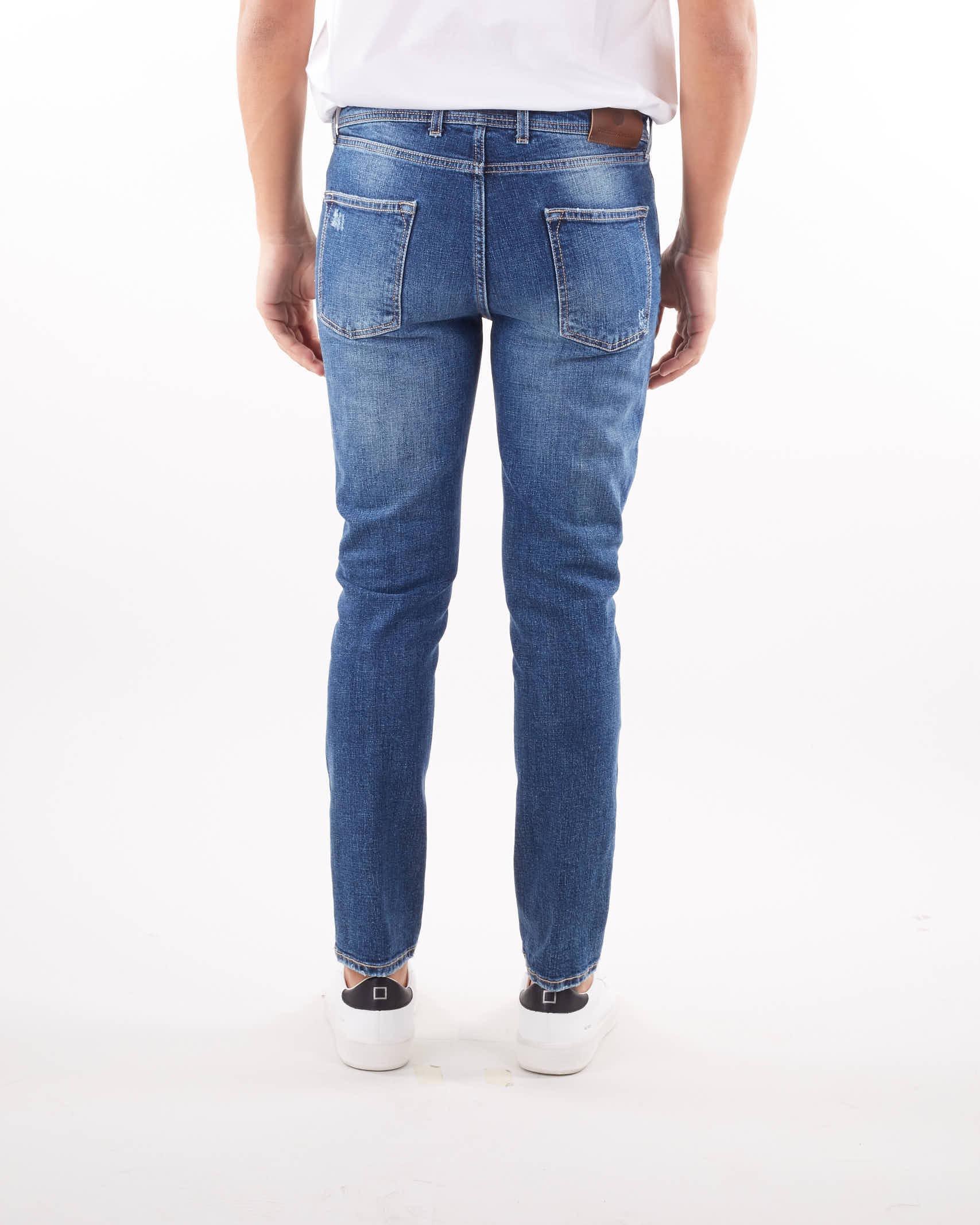 Jeans cinque tasche lavaggio medio Quattro.Decimi QUATTRO DECIMI   Jeans   RIBOTCQD42113711