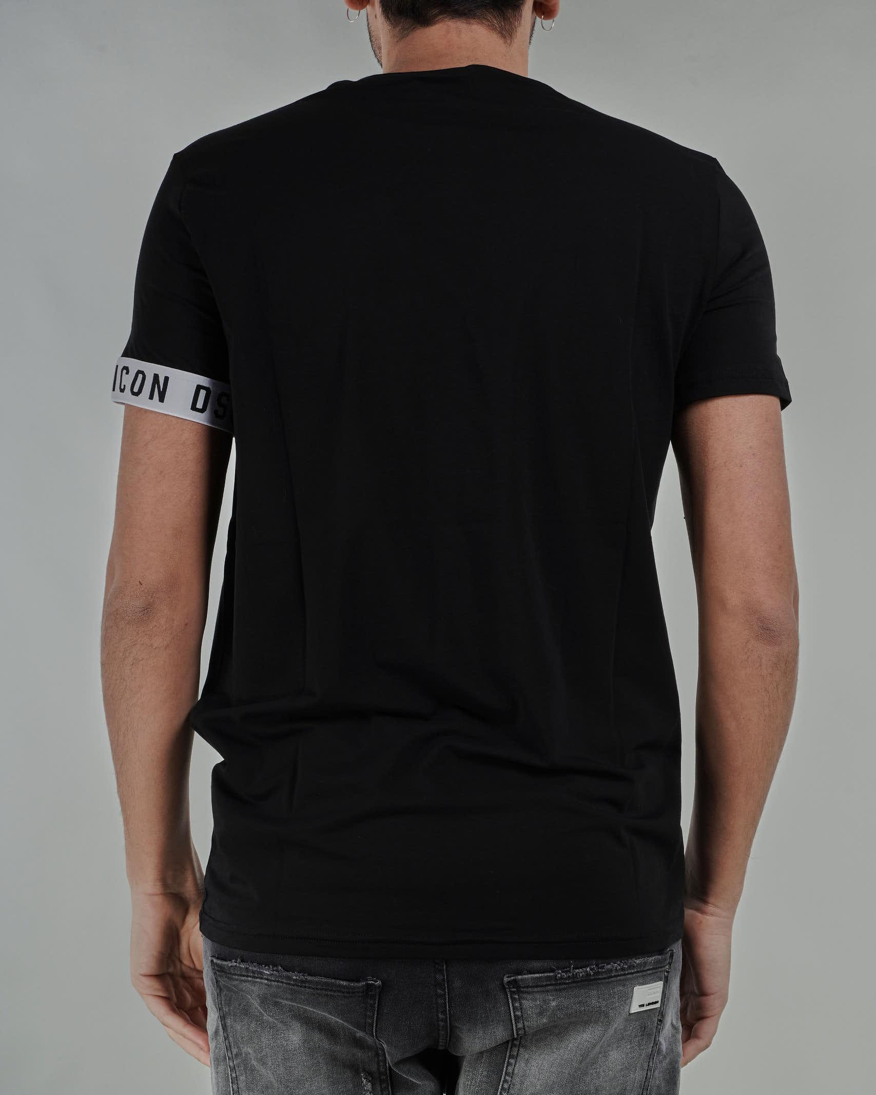 T-shirt con logo sulla manica DSQ2 Dsquared DSQUARED | T-shirt | D9M3S345010