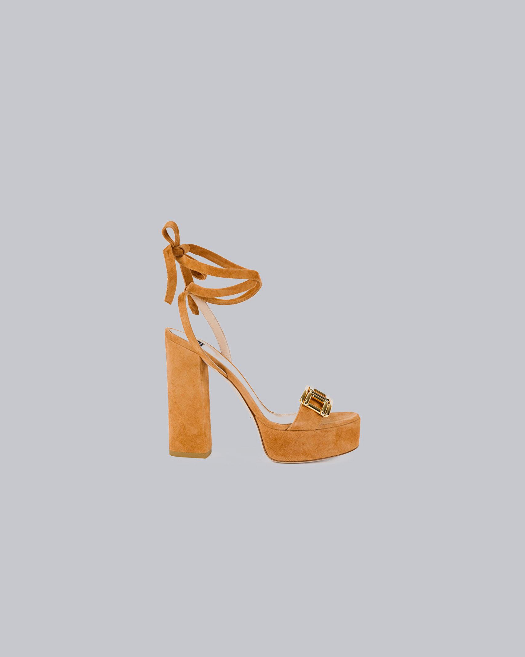 Sandalo plateau con logo gold Elisabetta Franchi ELISABETTA FRANCHI | Scarpa con tacco | SA89L11E2600