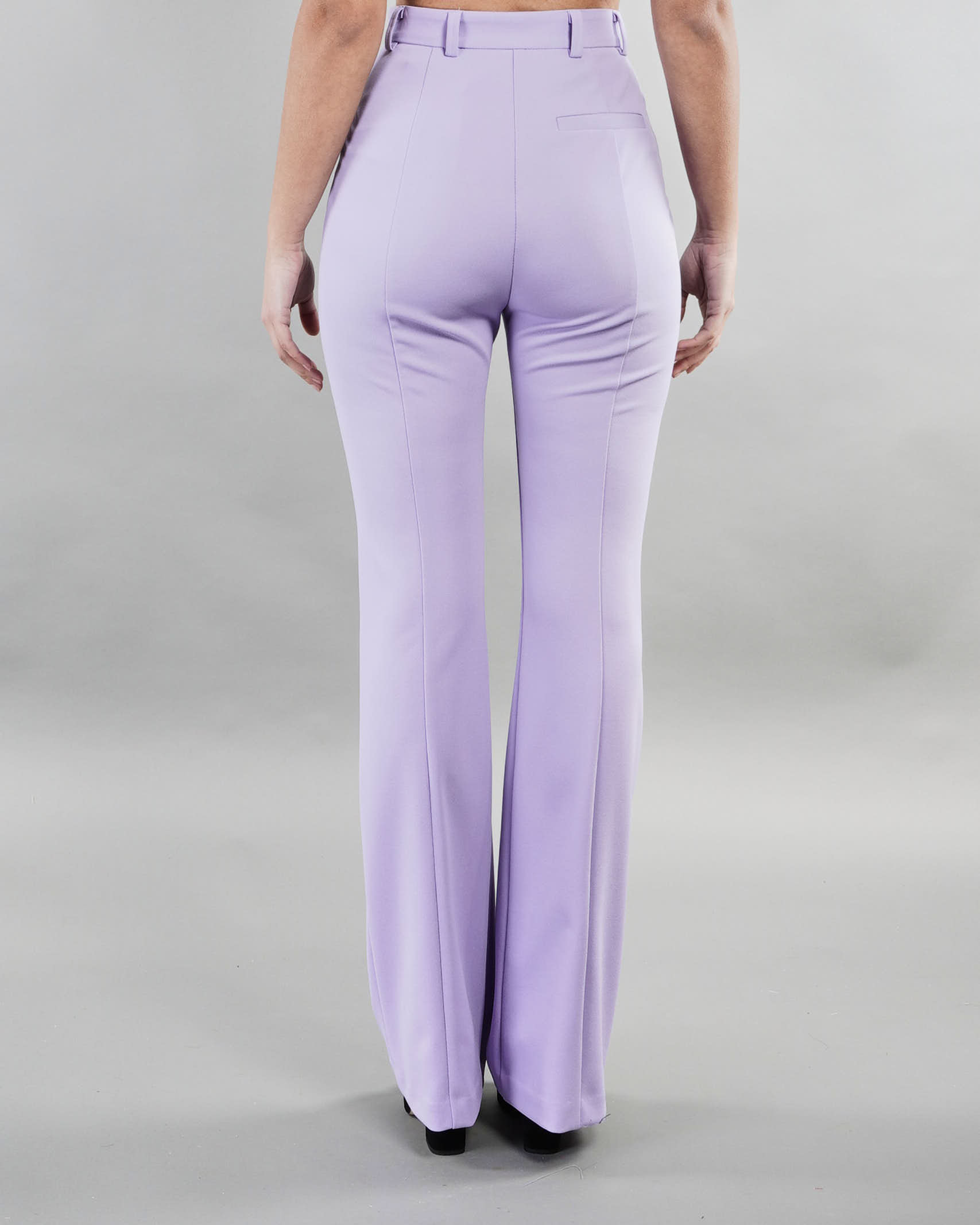 Pantalone monocolor con fondo svasato Imperial IMPERIAL | Pantalone | PD2PBBKLILLA