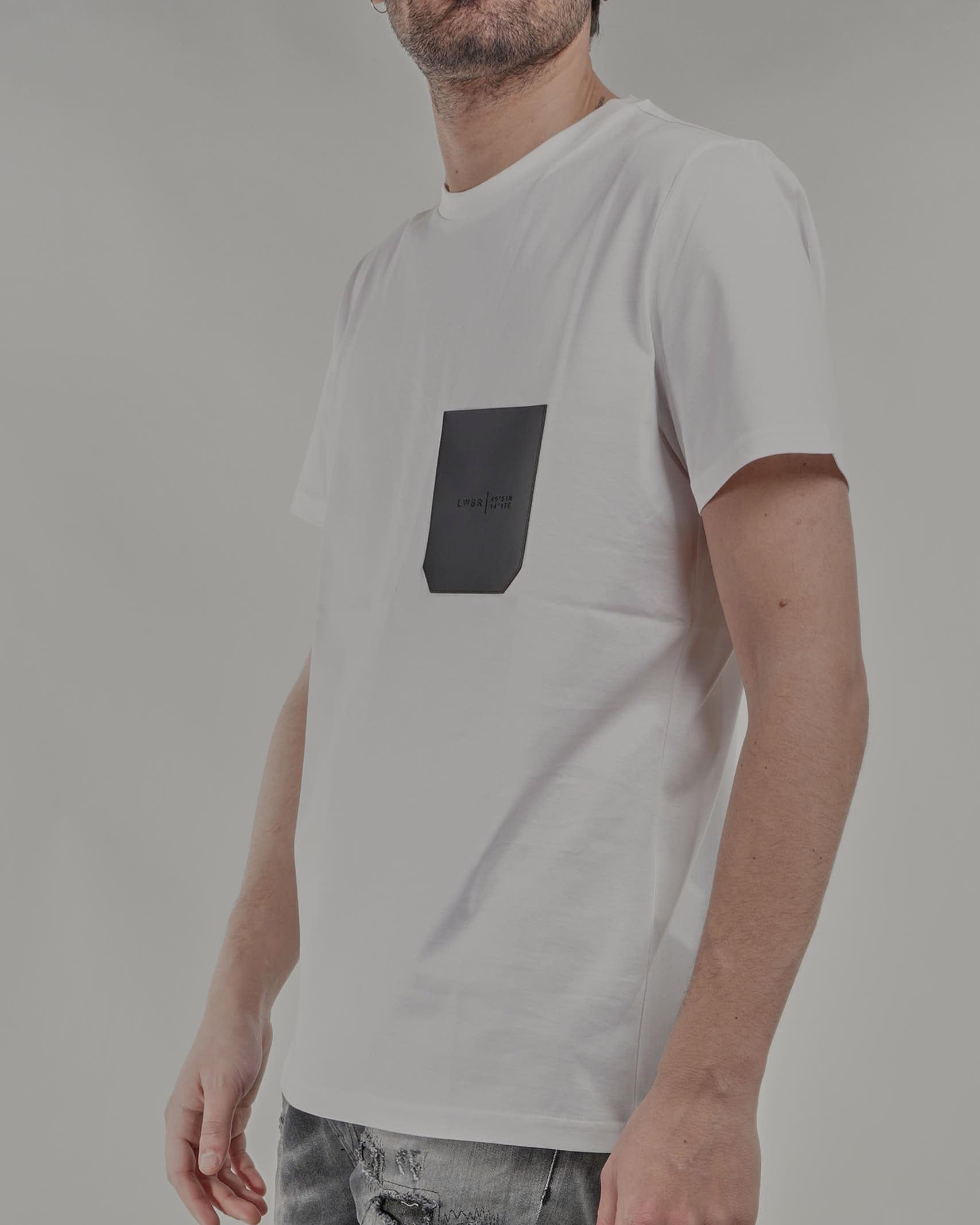 T-shirt con taschino gommato Low Brand LOW BRAND   T-shirt   L1TSS215681A001