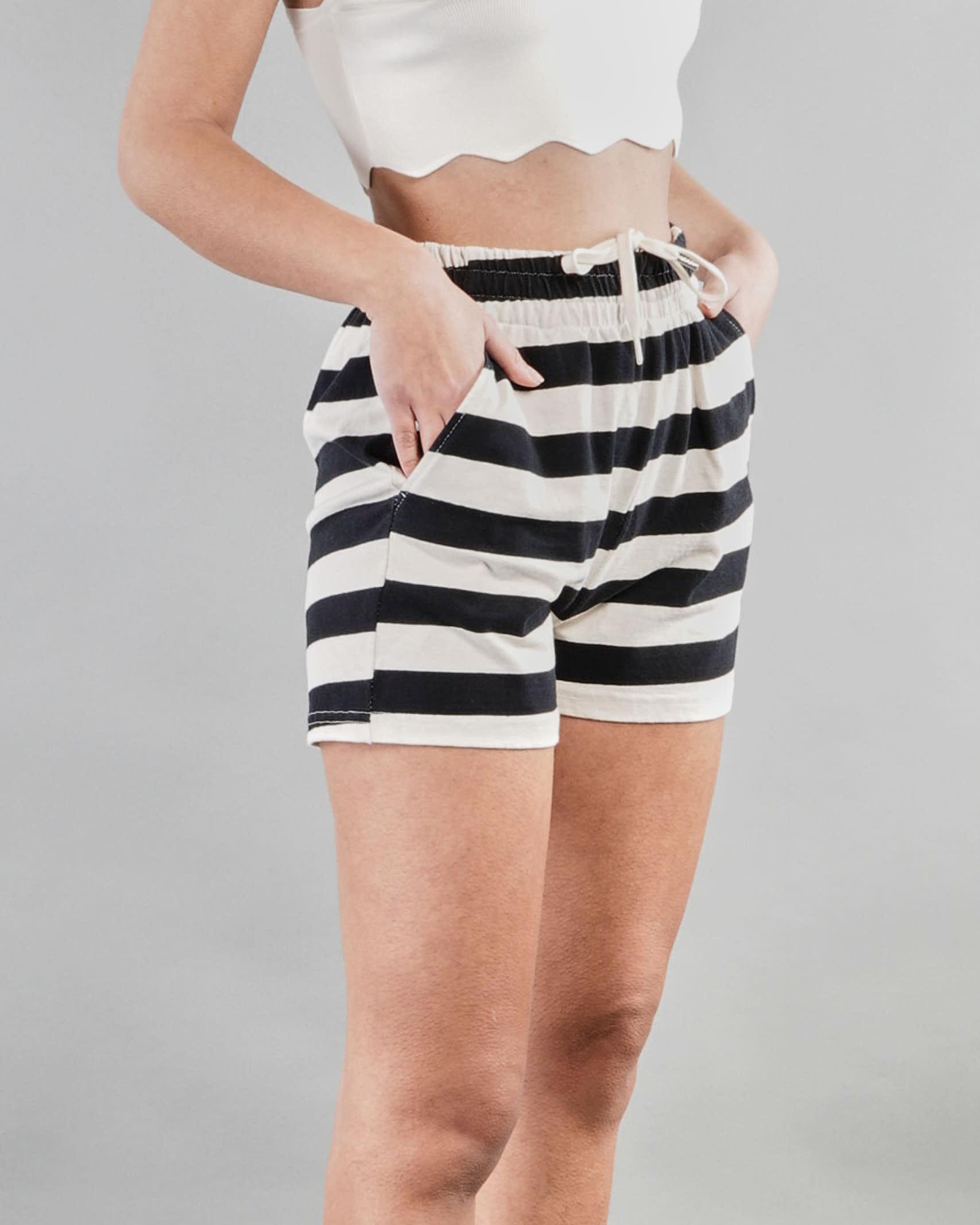Shorts a righe con coulisse Vicolo VICOLO   Shorts   TH0339BIANCO-NERO