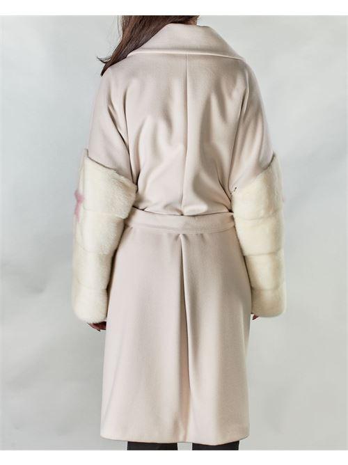 Cappotto con maniche in visone Un_Furtive UN_FURTIVE | Cappotto | CD1023PANNA