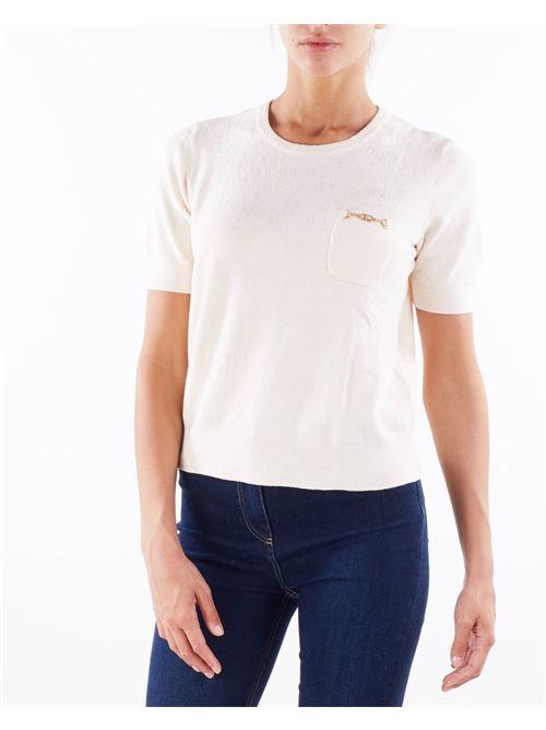 T-shirt in ciniglia con morsetto oro Elisabetta Franchi ELISABETTA FRANCHI   Maglia   MK37S16E2193