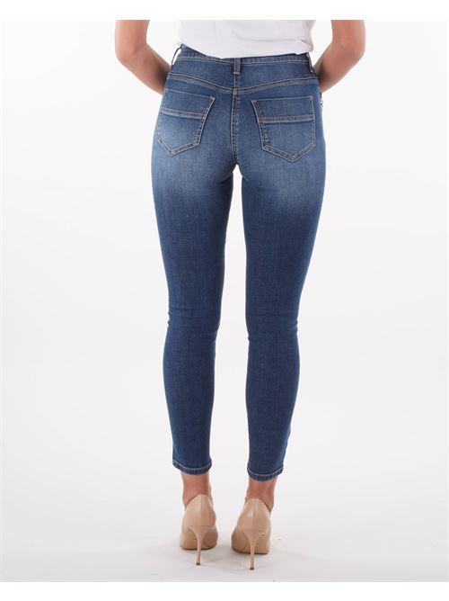 Jeans con accessorio pendente Elisabetta franchi ELISABETTA FRANCHI | Jeans | PJ21S16E2139