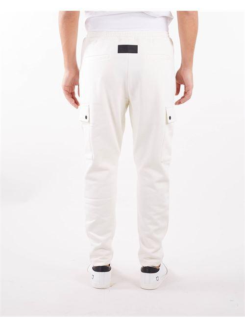 Pantalone in felpa con tasconi Low Brand LOW BRAND | Pantalone | L1FFW21226006A014