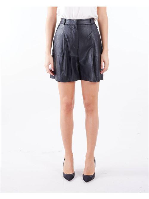 Shorts in ecopelle Manila Grace MANILA GRACE | Shorts | P017EUMA001