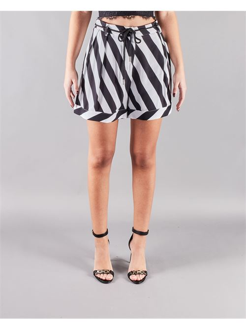 Shorts a fantasia Manila Grace MANILA GRACE | Shorts | P039VIMA028