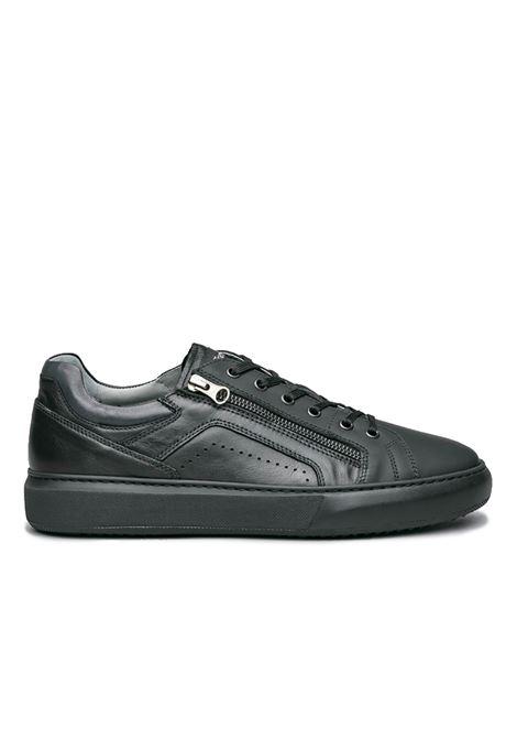 NERO GIARDINI SNEAKERS  I001802U /100 GOMMATO NERO HELSINKI NERO SAUVAGE DARK GREY Nero Giardini | Sneakers | I001802U100