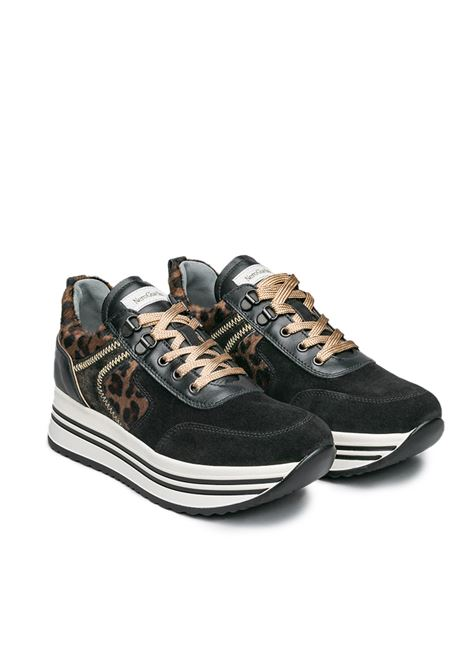 NEROGIARDINI SNEAKERS I013290D VELOUR NERO GUANTO NERO T.BERT DIS625 CAFFE Nero Giardini | Sneakers | I013290D100