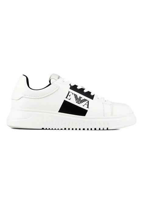 Sneakers in pelle con logo laterale EMPORIO ARMANI | Scarpe | X4X264 XM712A222
