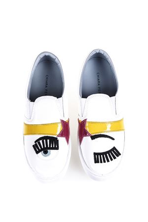 SNEAKERS SLIP-ON IN PELLE CON PATCHES ai 2016 CHIARA FERRAGNI | 55 | CF1060UNIBIANCO/GIALLO