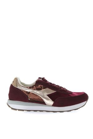 BURGUNDY SNEAKERS WITH SUEDE INSERTS AND SEQUINS APPLIED FW 2018 DIADORA HERITAGE | 55 | 201.174391KOALA55087