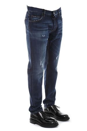 BLUE DISTRESSED DENIM JEANS WITH DG LOGO PATCH FW 2018 DOLCE & GABBANA | 4 | GY70CDG8AB3S9001