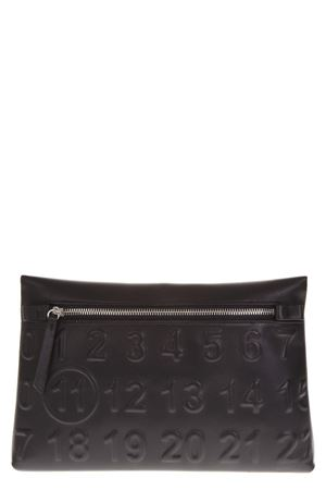 BLACK LEATHER CLUTCH WITH EMBOSSED LOGO FW 2018 MAISON MARGIELA | 2 | S56UI0119P1931T8013