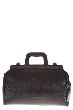 BLACK LEATHER BAG WITH EMBOSSED LOGO CALENDAR FW 2018 MAISON MARGIELA | 2 | S56WD0063P1931T8013