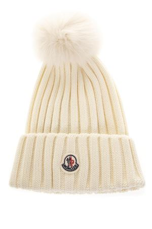 WOOL BEANIE HAT WITH FUR POMPOM FW 2018 MONCLER | 17 | 0021900035101004