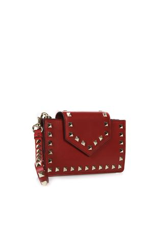 RED ROCKSTUD PHONE CASE IN LEATHER FW 2018 VALENTINO GARAVANI | 2 | QW2P0Q13BOL0RO
