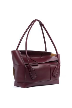 BORSA ARCO 56 IN PELLE DI VITELLO FRANCESE BORDEAUX AI 2019 BOTTEGA VENETA | 2 | 573400VMAP16206