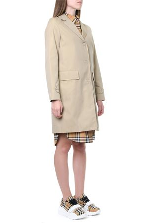 TRENCH MONOPETTO COLOR MIELE IN COTONE AI 2019 BURBERRY | 31 | 80167801A1366