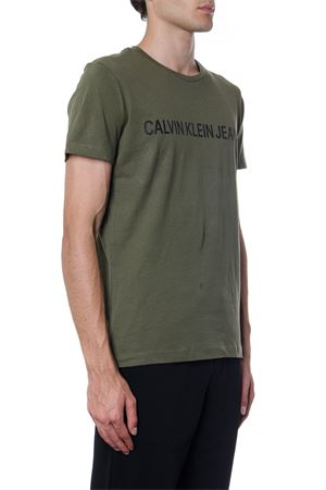 T-SHIRT IN COTONE ORGANICO VERDE CON LOGO AI 2019 CALVIN KLEIN JEANS | 15 | J30J307856UNI371