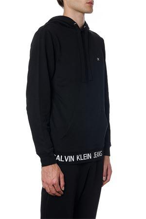 FELPA IN COTONE NERO CON SCRITTA LOGO AI 2019 CALVIN KLEIN JEANS | 19 | J30J312470UNI099