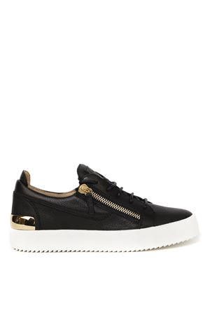 BLACK LEATHER LOW-TOP SNEAKERS WITH METAL PLAQUE SS 2020 GIUSEPPE ZANOTTI   55   RU90055POSTER004