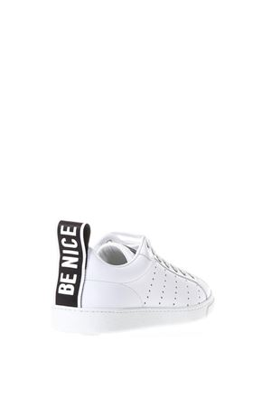 SNEAKERS BIANCHE IN PELLE TRAFORATE PE 2018 DSQUARED2 | 55 | SNW0016065000011062