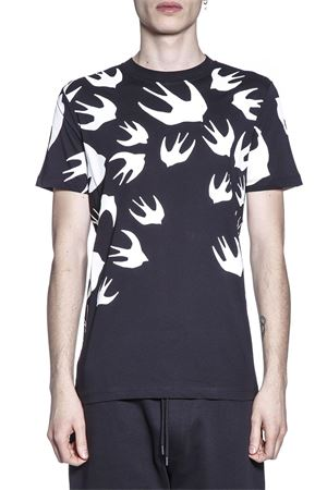 T-SHIRT IN COTONE STAMPA SWALLOW pe 2018 McQ ALEXANDER MCQUEEN   15   277605RGH791000