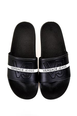 BLACK COLOR SLIDES WITH EMBOSSED LOGO SS 2018 VERSACE JEANS | 87 | GRBSH170143899