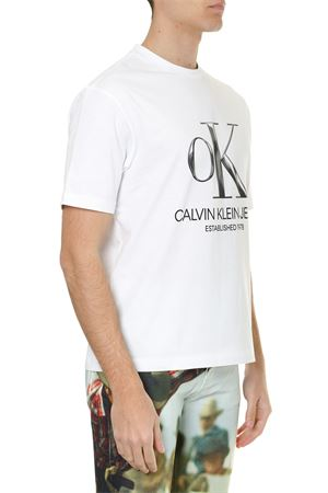 WHITE COTTON T-SHIRT WITH LOGO PRINT SS 2019 CALVIN KLEIN JEANS EST.1978 | 15 | J90J000911001