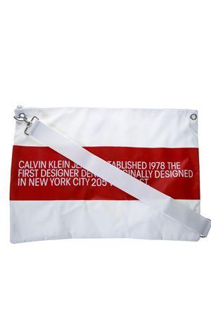 CK JEANS WHITE CONTRASTING LOGO CLUTCH SS19 CALVIN KLEIN JEANS EST.1978 | 2 | J90J9001201001