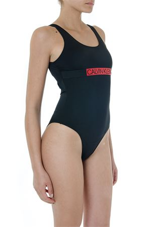 BLACK AND RED CUT OUT LOGO SWIMSUIT SS 2019 CALVIN KLEIN | 29 | KW0KW00680UNI094