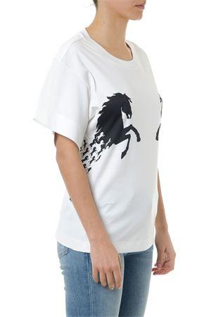 WHITE MILK COTTON HORSES PRINT T-SHIRT SS19 CHLOÉ   15   CHC19SJH21288UNI107