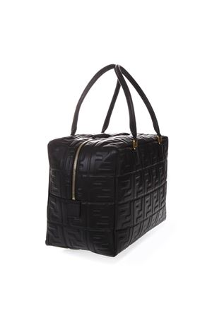 BORSA NERA IN PELLE CON LOGO ALL OVER IN RILIEVO PE19 FENDI | 2 | 8BL142A72VF15ZW